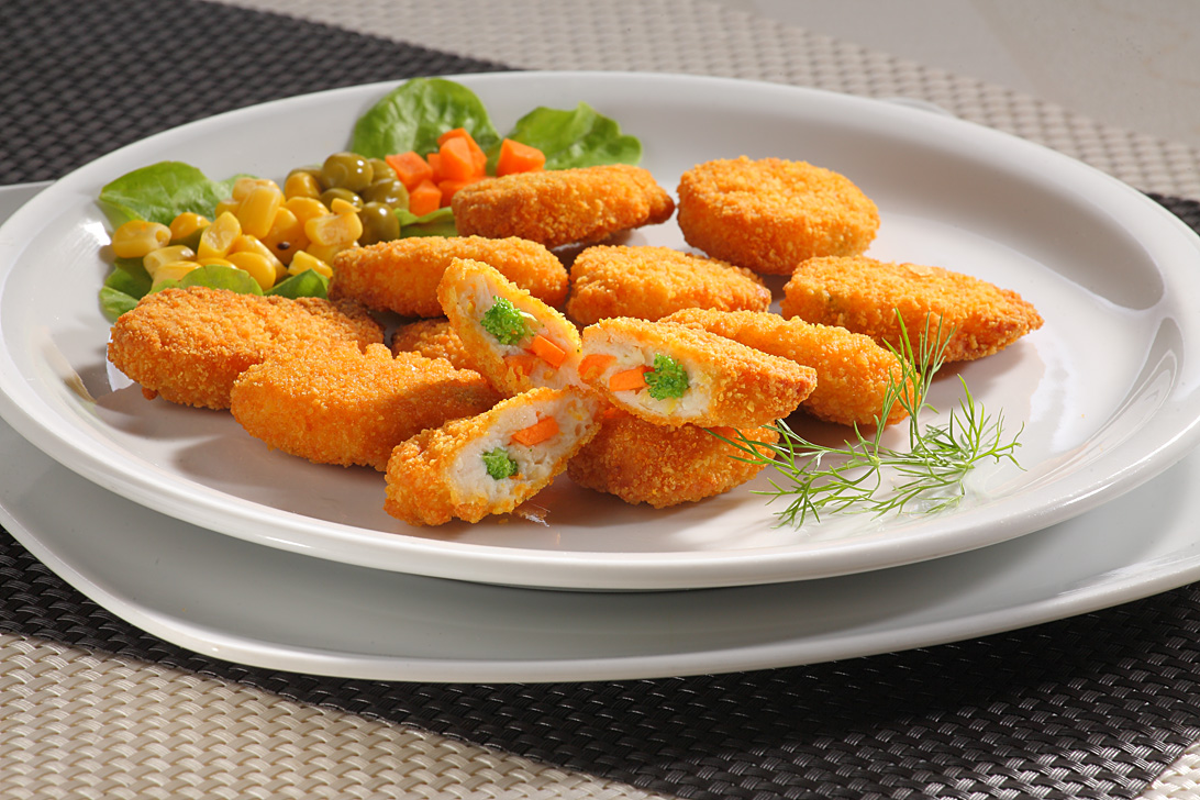 Breast meat nuggets with vegetables