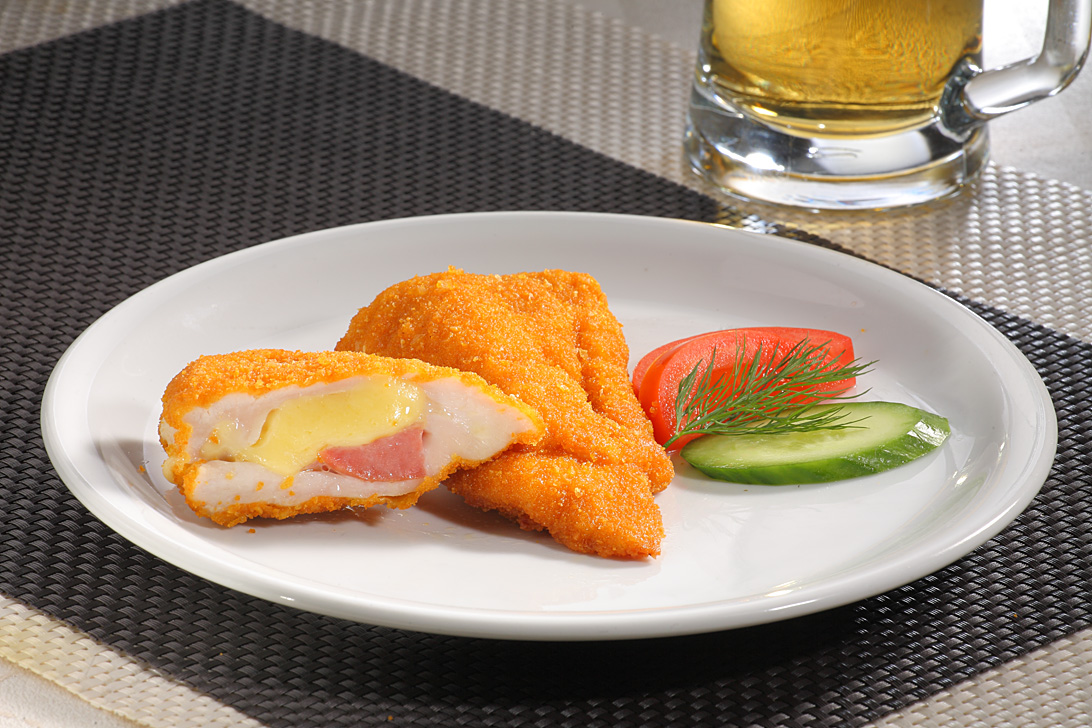 Whole meat Cordon Bleu with ham and yellow cheese 125g
